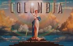 Логотип «Warner Brothers» и «Columbia Pictures»
